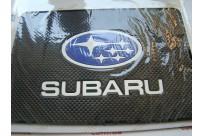 Не скользящий коврик под телефон с логотипом Subaru